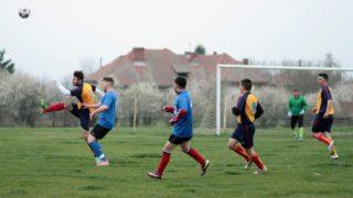 少年サッカーの練習で周りを見る3つの練習方法