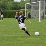 サッカーでのシュート時に大事な3つのインパクトの瞬間